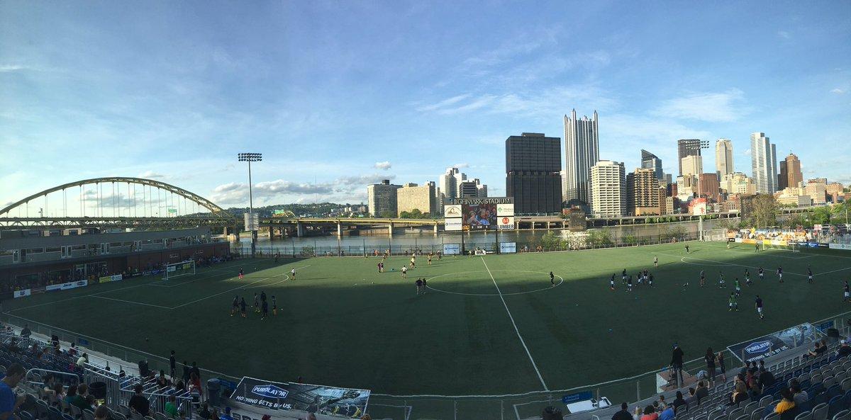 Highmark+Stadium+in+Station+Square%2C+Pittsburgh.
