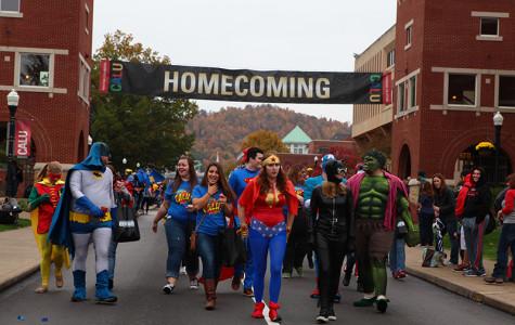 Homecoming Parade Goes SUPER