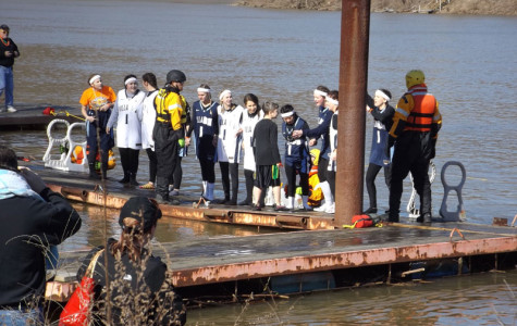 Students Take the Plunge for a Good Cause