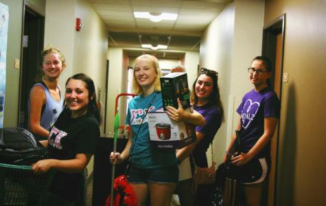 Cal U Freshmen Welcomed at Fall 2016 Move-In Day