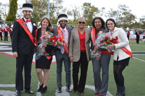 The 2016 Homecoming King and Queens with President Jones and the 2015 Homecoming King and Queen.
