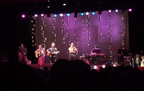 "Concert Review: Colbie Caillat's ""Malibu Sessions Acoustic Tour"""