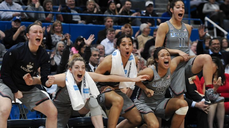 Geno Auriemma's UCONN Huskies Break Longest NCAA Basketball Win Streak Record