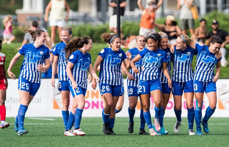 Photo of the Boston Breakers during the 2017 season courtesy of Mike Gridley/ISI Images.