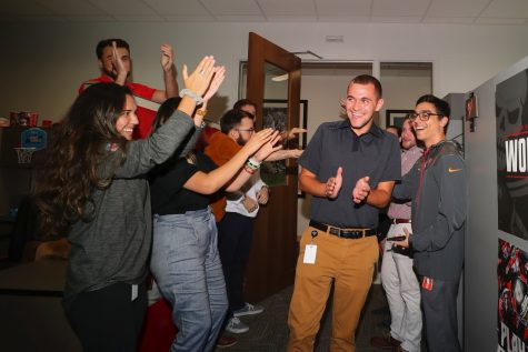 Magician comes and puts on show for Cal U Students