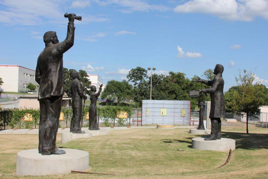 Juneteenth+Memorial+Monument%2C+George+Washington+Carver+Museum%2C+Austin+Texas