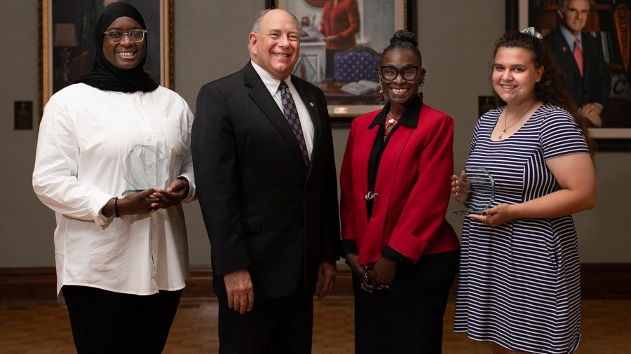 Students earn diversity awards