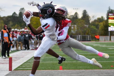 Cal Us Tyson Hill catches the game-winning touchdown from 4 yards out with 11 seconds remaining in the 12th Annual Coal Bowl at IUP, Oct. 23, 2021. The catch gave the fifth-ranked Vulcans a 38-34 win over the Crimson Hawks.